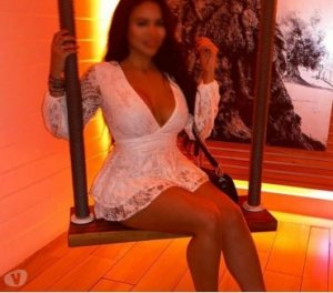 Melhia female escorts personals Billericay UK